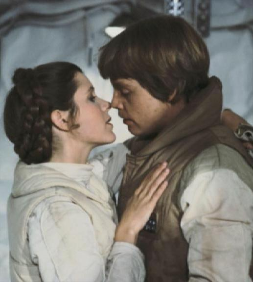 leia_luke_kiss.jpg